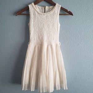 White Dress by btween